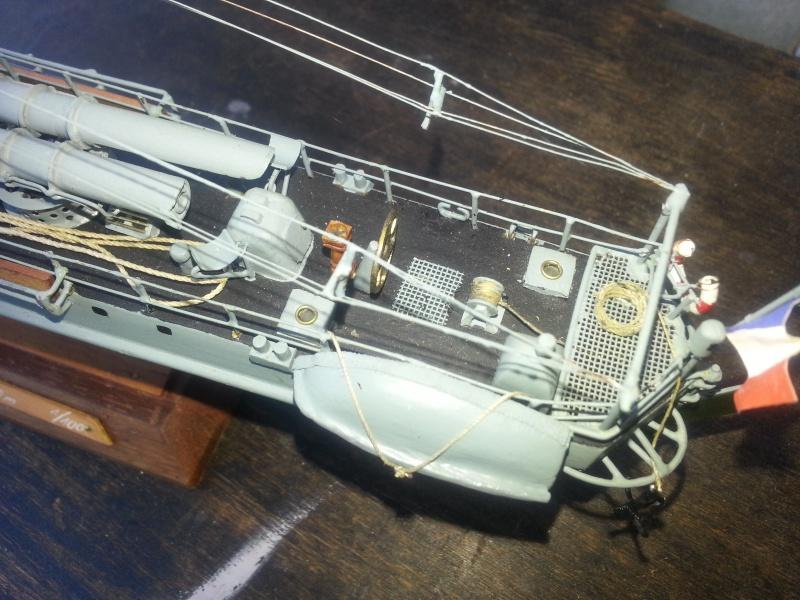 le contre torpilleur la Bombarde de 1903 et le torpilleur numéroté 340 de 1904 77900820160907135647
