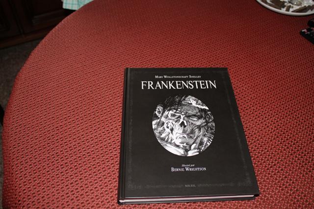 Vos plus beaux livres ! - Page 3 779524Frankenstein1
