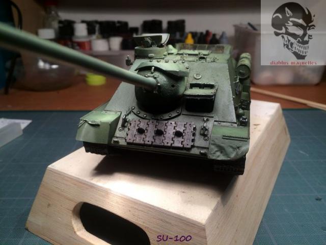 SU-100 marque Dragon 1/35 - Page 2 782666IMG3894