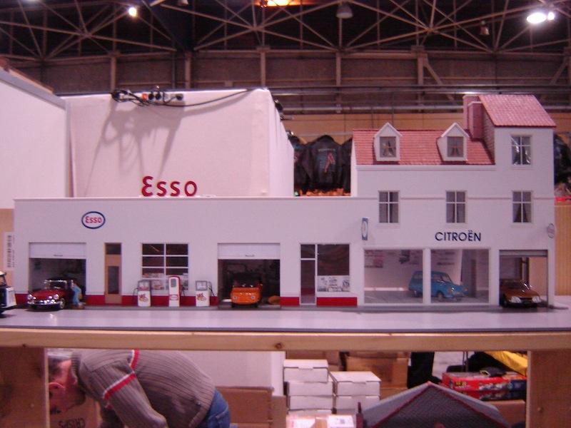 Hervé WAGUET Garages et bâtiments divers miniatures au 1/43 787611994