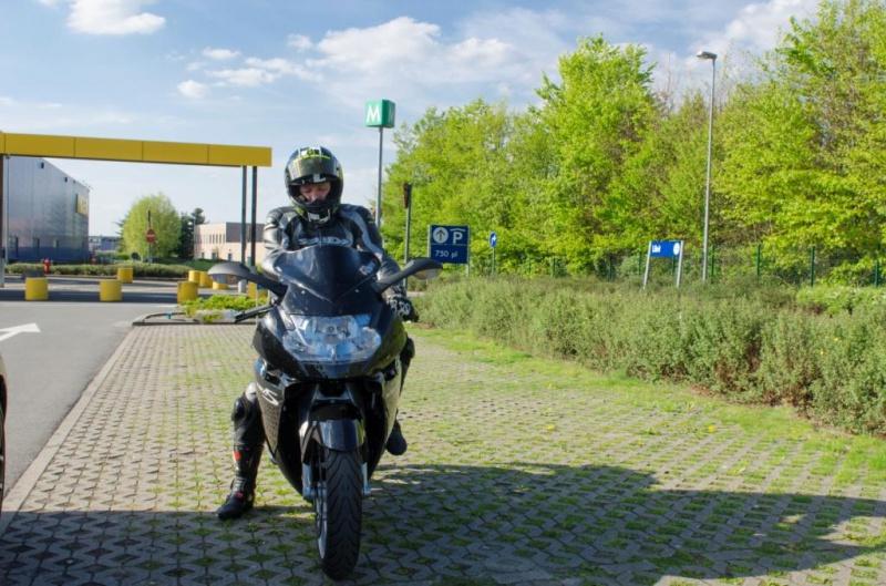 BMW à 2 roues et elle tient compagnie à ma 320d e93 789143DSC7717