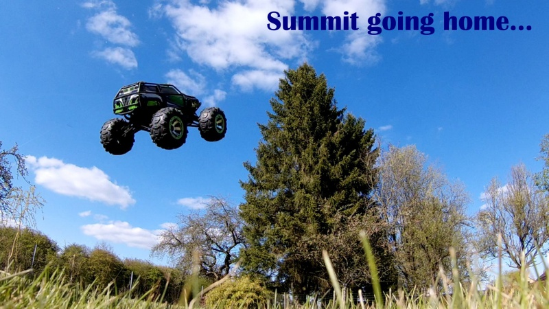 Traxxas Summit on the rocks and in the air ! 790649ET2