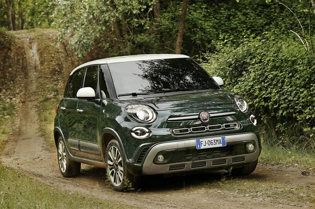 La Nouvelle Fiat 500L 802886170522FiatNew500LCross04