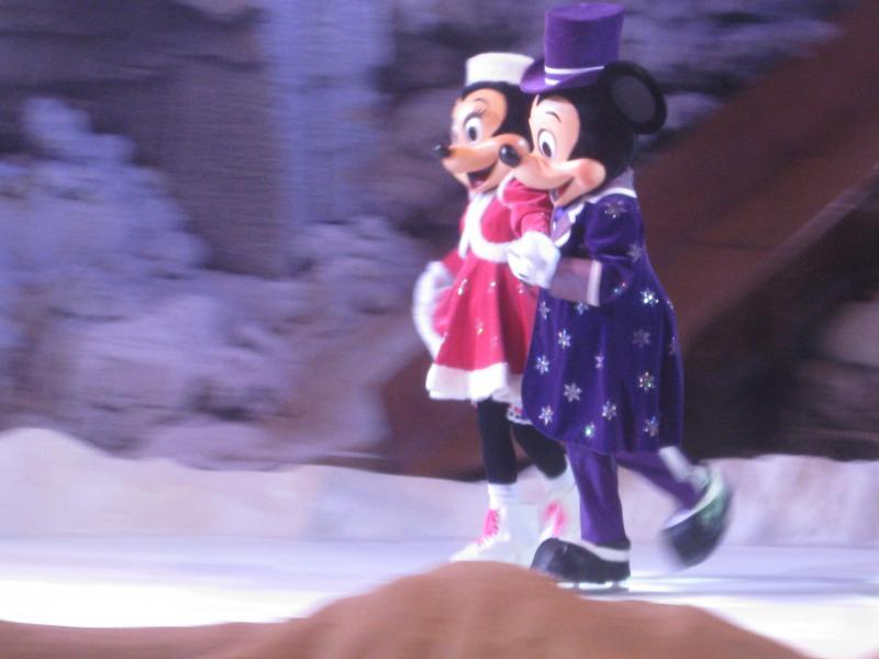 [Disneyland Paris] Disneyland Hotel - chambre Castle Club (8-10 décembre 2010) (début du TR p.9) - Page 8 805848IMG1950