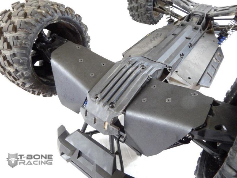 T-Bone Racing sort des chocs avec roulettes anti cabrage et des protections de triangles AV/AR 808152XMaxxASkidsFront663775145627974612801280