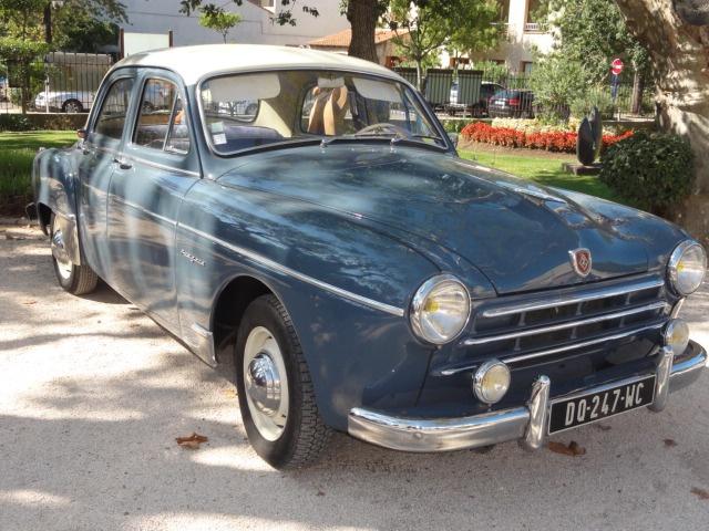 Des autos dans le parc du Château... 809900DSC00997