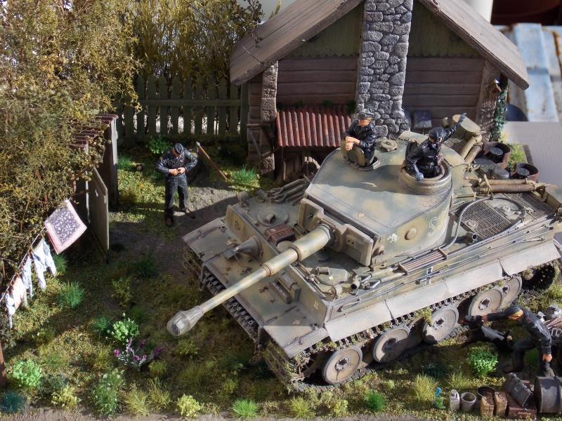 TIGRE S33  avant la bataille de Koursk juillet 43 (Dragon 1/35 dio DIODUMP) - Page 10 811827DSCN4816