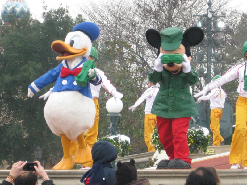 [Disneyland Paris] Disneyland Hotel - chambre Castle Club (8-10 décembre 2010) (début du TR p.9) - Page 10 815710IMG2529