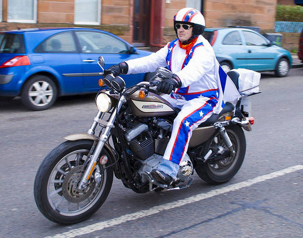 Evolution de mon sportster 1200 r 82139284301879evelknievel