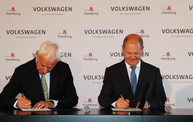 Volkswagen et Hambourg concluent un partenariat stratégique pour la mobilité  82512420160829b2unterzeichnung