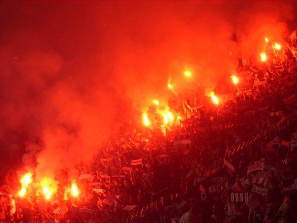 Photos Pyrotechnie (Torches, Pots à Fumée...) - Page 21 831033n737713577_756038_2300