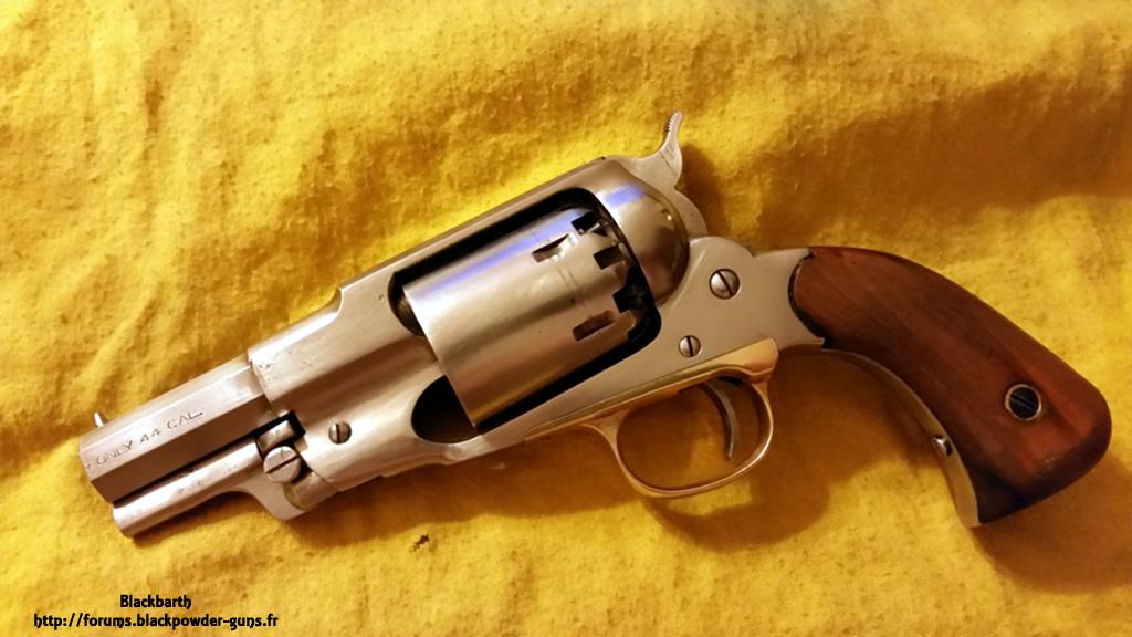"""Texas Avenger"" Cal 44 une Customisation du Remington 1858 843185RemSnub"
