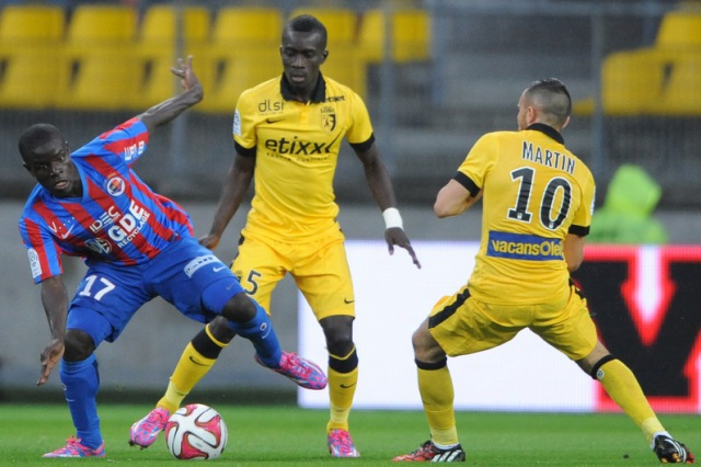 [FIFA 15/PS4] Lille Olympique Sporting Club 8432647773743062leslilloislorsdumatchdesdoguesfaceacaenle15aout2014