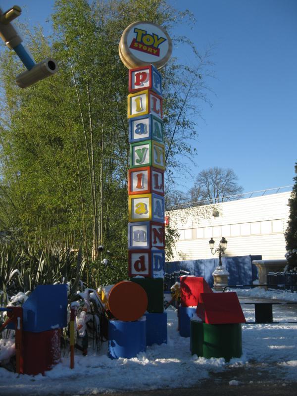 [Disneyland Paris] Disneyland Hotel - chambre Castle Club (8-10 décembre 2010) (début du TR p.9) - Page 9 844021IMG2231