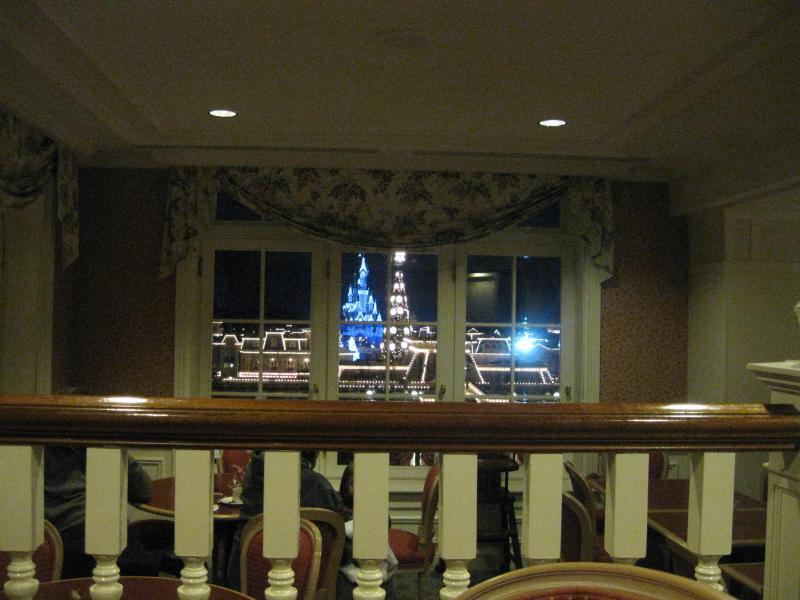 [Disneyland Paris] Disneyland Hotel - chambre Castle Club (8-10 décembre 2010) (début du TR p.9) - Page 10 844056IMG2372