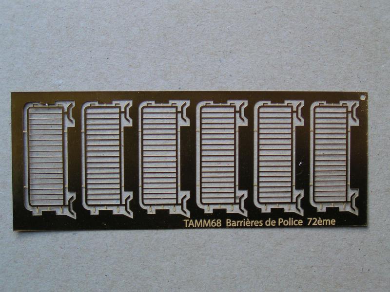 Barrières Vauban 72ème et caisse à outils au 48ème 847755PICT00054