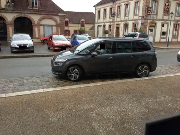 [SUJET OFFICIEL] Citroën Grand C4 Picasso II  - Page 2 8490697p1