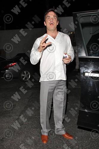 Robbie à Los Angeles 12-01-2011 853718lliams008wenn3164120previewvi