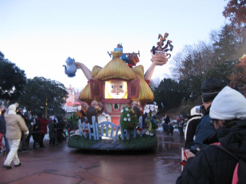 [Disneyland Paris] Disneyland Hotel - chambre Castle Club (8-10 décembre 2010) (début du TR p.9) - Page 10 857206IMG2272
