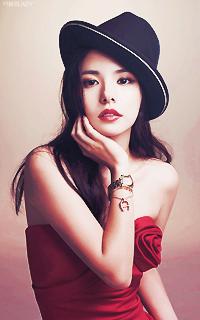 Min Hyo Rin [Libre] (liée au PV de Taeyang) 857455MinHyorin3