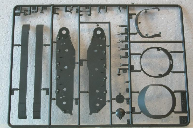 AMX 13 canon de 75 - (Réf. L784) 1/35 858805AMX1375784017Heller135