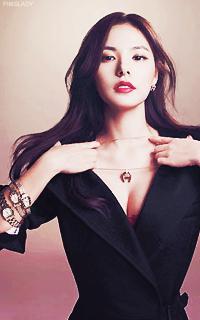 Min Hyo Rin [Libre] (liée au PV de Taeyang) 859326MinHyorin2