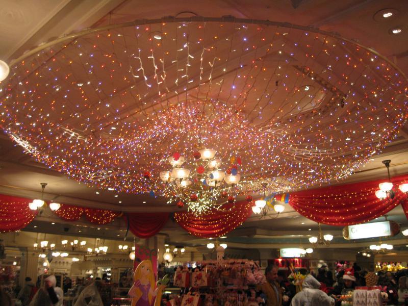 [Disneyland Paris] Disneyland Hotel - chambre Castle Club (8-10 décembre 2010) (début du TR p.9) - Page 8 862912IMG1978