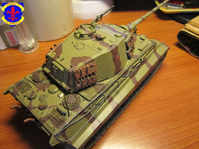 Sd.Kfz.182 King Tiger à tourelle Henschel de Dragon au 1/35e par pascal 94 - Page 2 863743IMG1615b