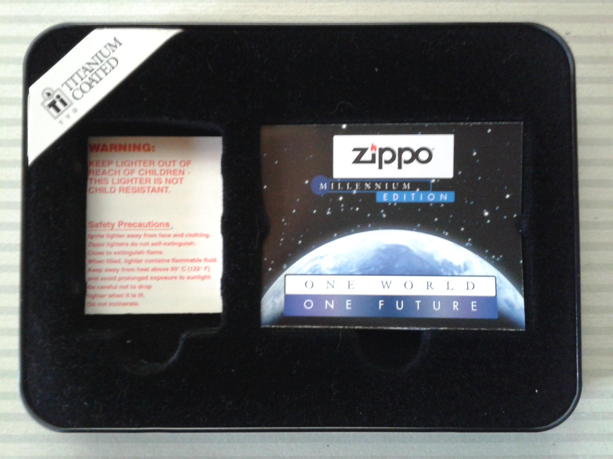 Les boites Zippo au fil du temps - Page 2 866350Titanium5