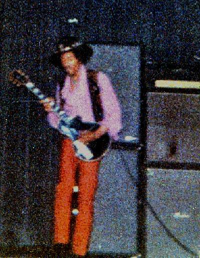 Newark (Symphony Hall) : 5 avril 1968  86792219680405newarkpaul2