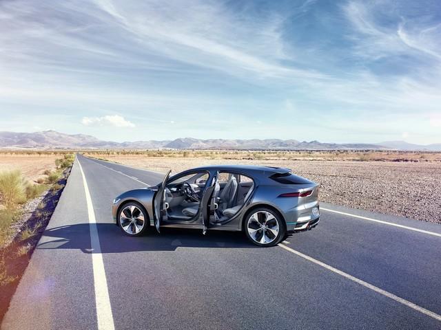 Jaguar Dévoile Le Concept I-PACE : Le SUV Électrique Performant 869300JaguarIPaceConcept2016128010