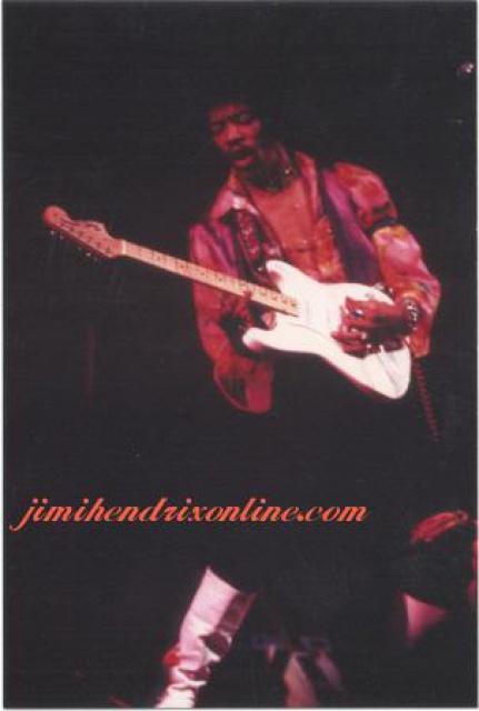 New York (Philharmonic Hall) : 28 novembre 1968 [Premier concert] 869468Bad