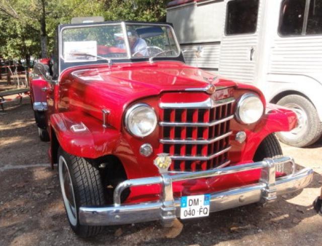 Des autos dans le parc du Château... 870049DSC00989