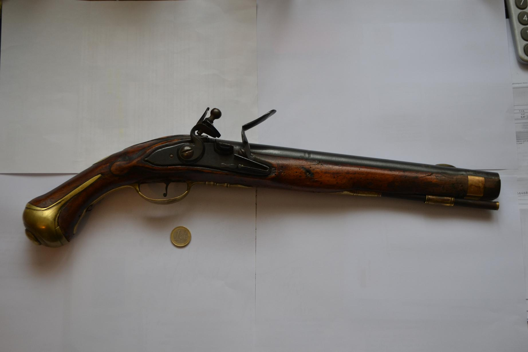 Pistolet début XVIIIeme? 870681DSC1289
