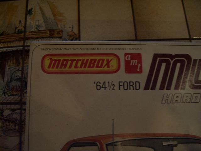 ford mustang 1964 au 1/16 de chez matchbox  87237135m1