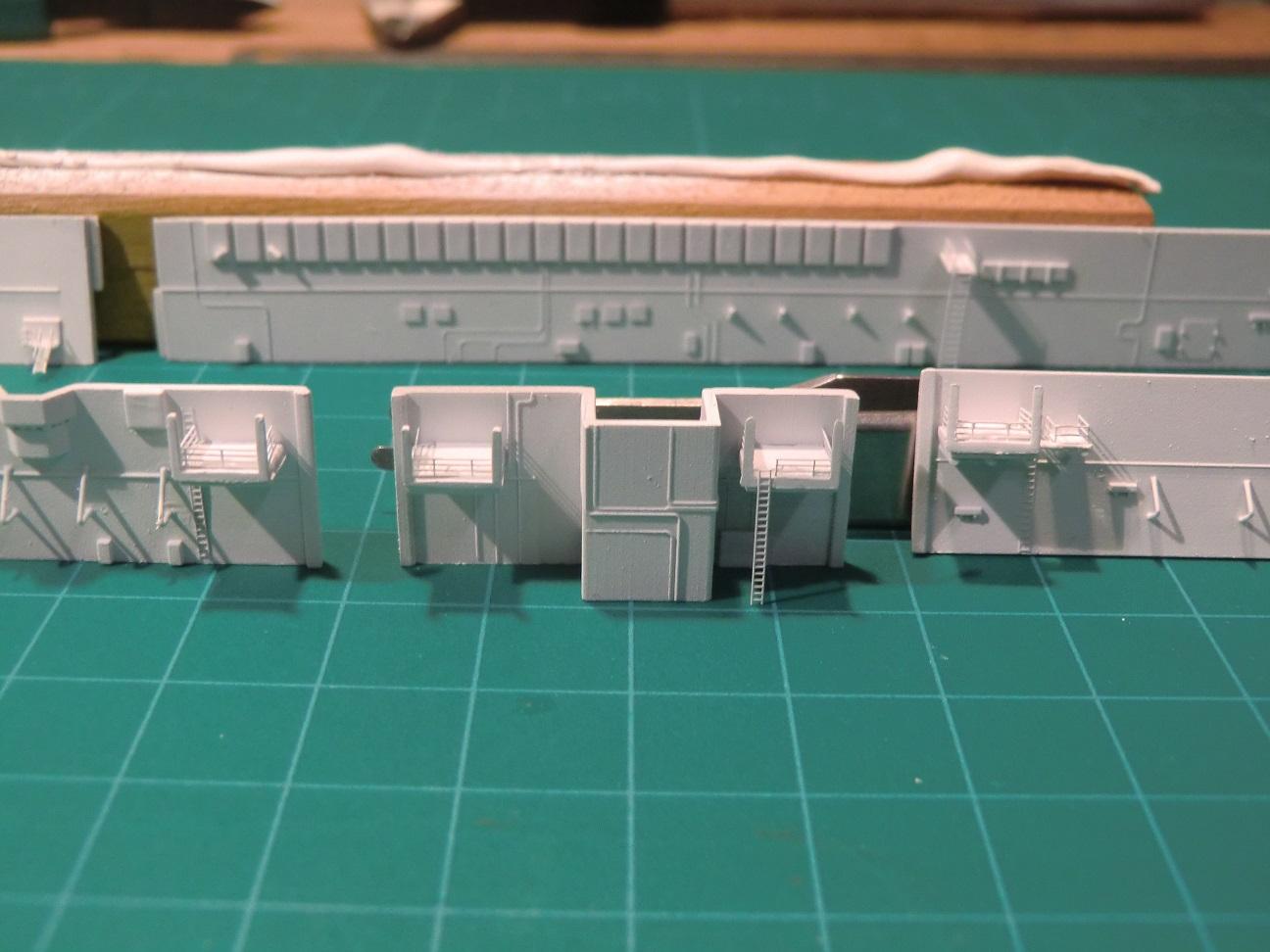 CVN 68 USS Nimitz Trumpeter 1/700  - Page 5 878922Nimitz40