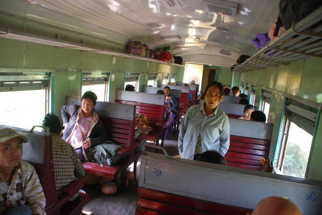 Le train en Asie du sud-est  880176DSC1434