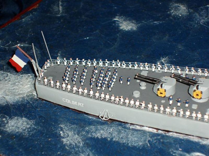 Le Croiseur COLBERT! 882322s15