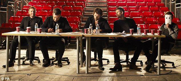 Comic Relief 2011 - 18/03/2011 - Page 2 882845article13674650B38E08300000578774634x286
