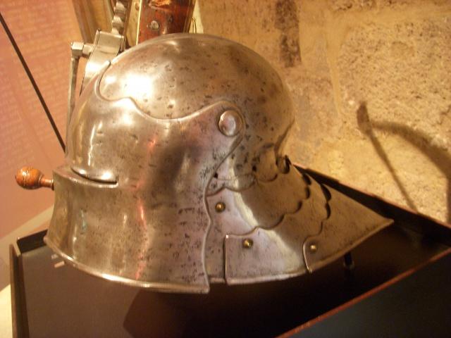 Le carreau d'arbalète du musée de l'Emperi 883135saladeemperi