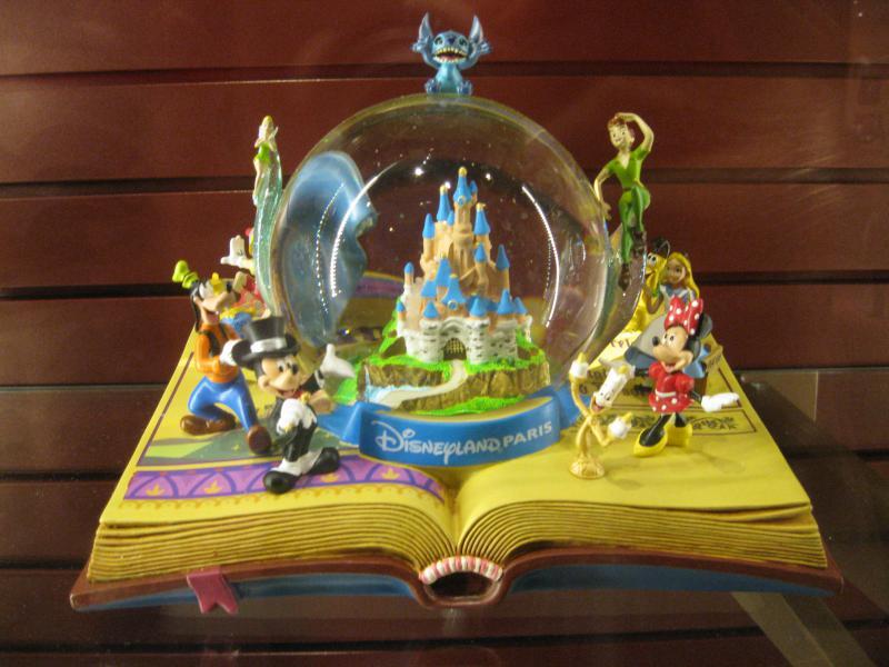 [Disneyland Paris] Disneyland Hotel - chambre Castle Club (8-10 décembre 2010) (début du TR p.9) - Page 8 883221IMG2106