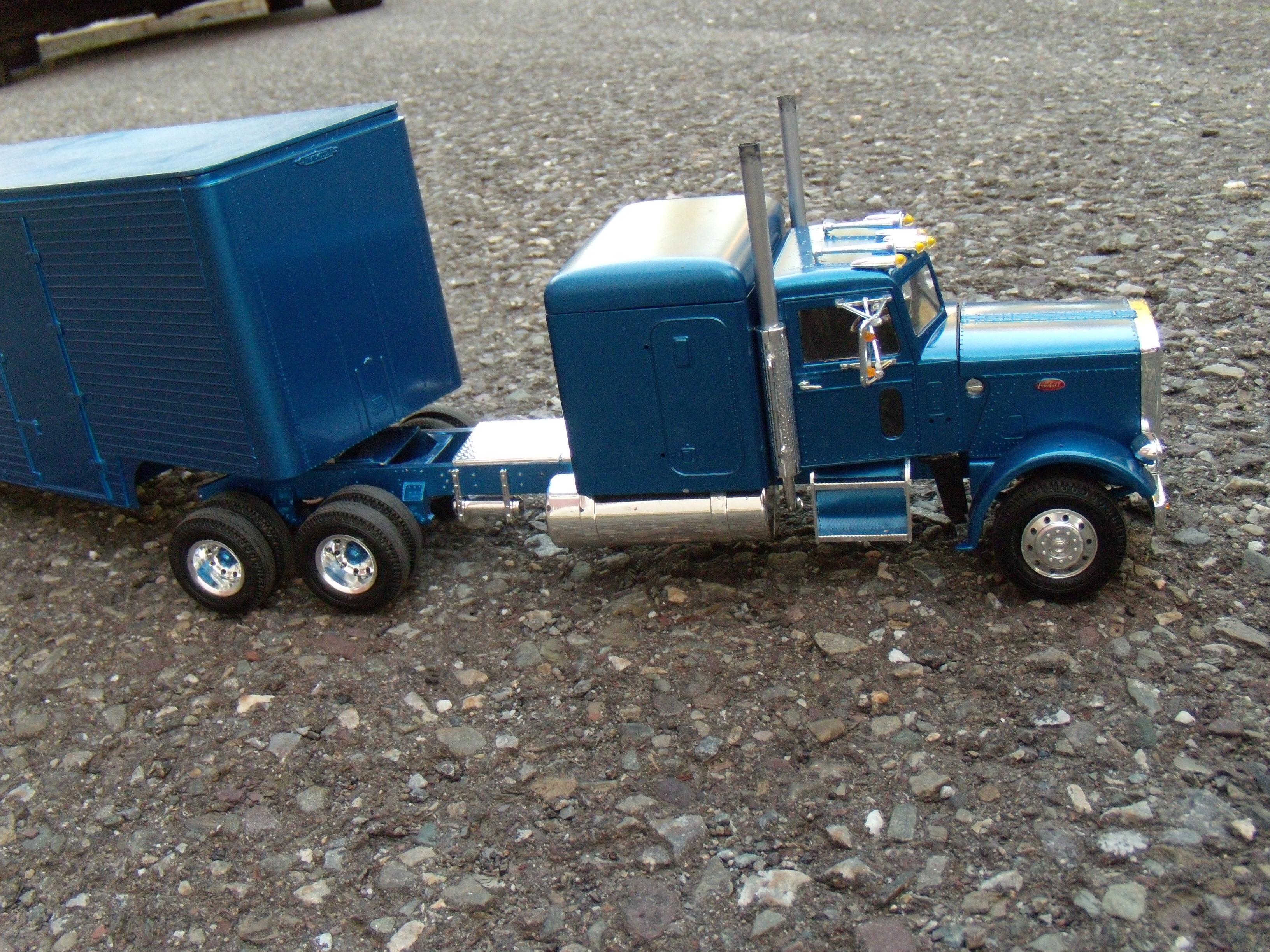 Peterbilt 359 ''california hauler'' 884748DSCN2245