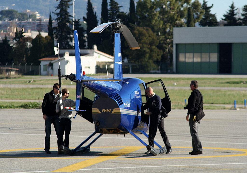 VOL en Robinson R44 autour de LFMD Cannes-Mandelieu 885399IMG0797