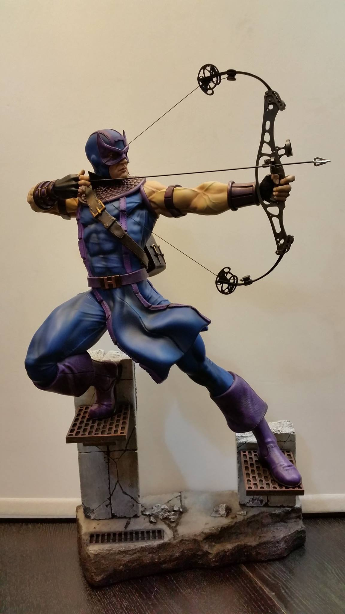 Premium Collectibles : Hawkeye - Comics version - Page 2 8878321058076614069949961878625983104777556759044o