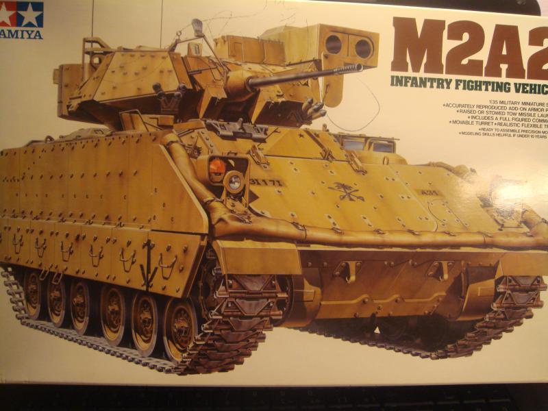 Le transporteur de troupe M2A2 par l'ancien au 1/35è Tamiya 888985DSC07477JPG