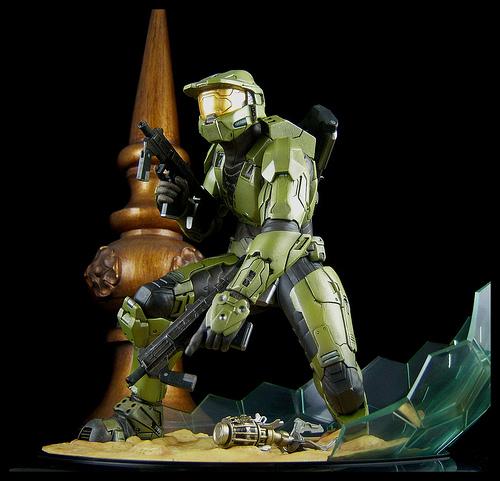 Halo 3 statues Kotobukiya 889505koto2vert