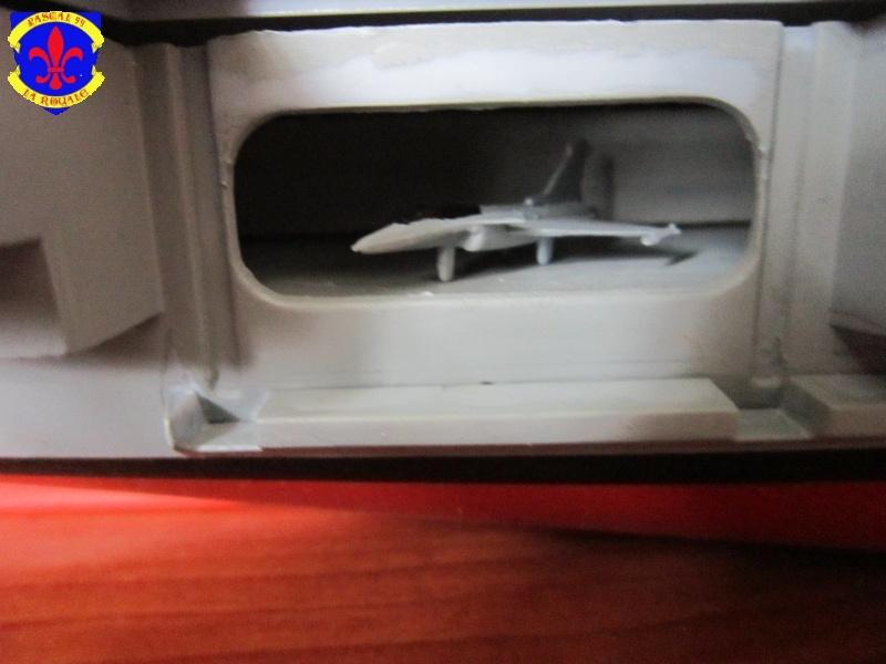 Porte avions Charles De Gaulle au 1/400 d'Heller par Pascal 94 - Page 4 890410IMG28091