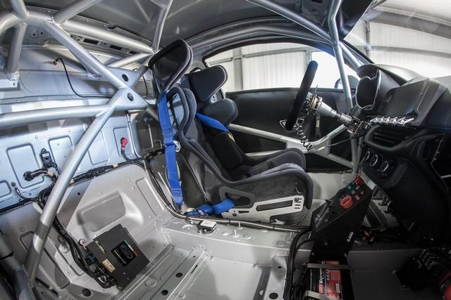 Alpine A110 Cup : une authentique voiture de course, taillée pour les plus grands circuits européens 891228211987242017AlpineA110Cup