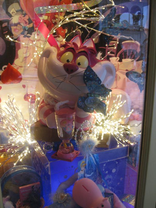 [Disneyland Paris] Disneyland Hotel - chambre Castle Club (8-10 décembre 2010) (début du TR p.9) - Page 8 894357IMG1974