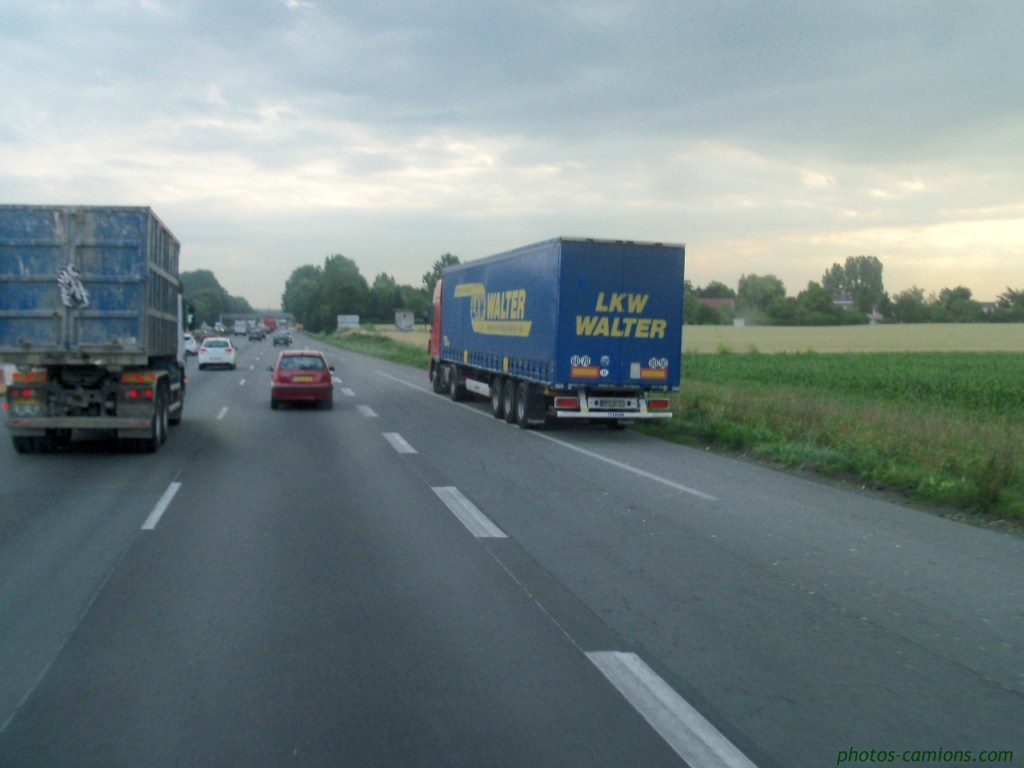 Les parkings d'autoroutes 898450photoscamions2IIX1111Copier
